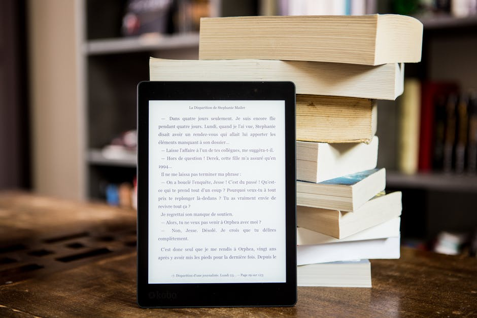 Paperback Books vs Ebooks, Which Is Better?